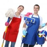 как и чем мыть натяжные потолки