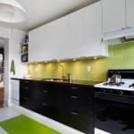 черно-белый гарнитур в кухне