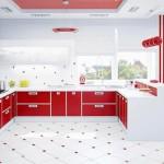 кухня красного цвета и обои красного цвета