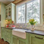 кухня кантри зеленого цвета 18 кв