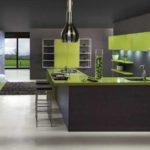 черно-зеленая кухня в интерьере