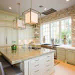 отделка кухни натуральным камнем 2